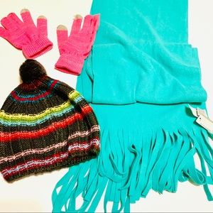 Scarf, hat and gloves bundle